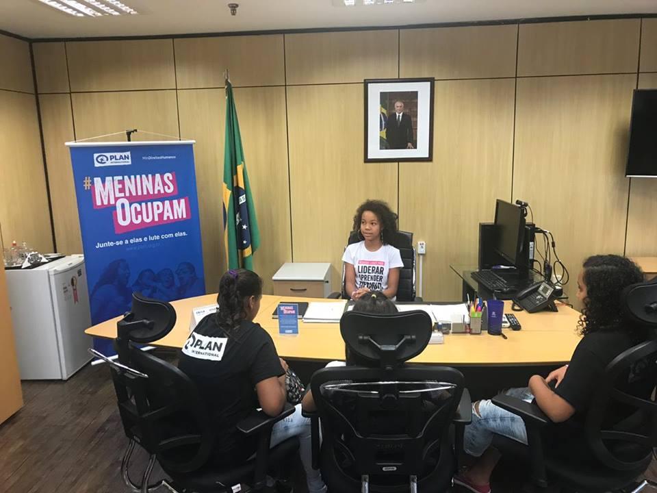 Menina Ocupa cargos de Ministra de Direitos Humanos